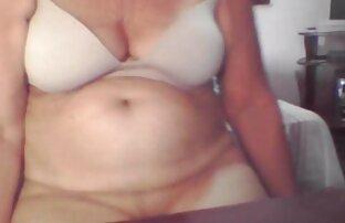 Latina nudo